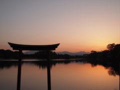 「三角池の夕暮れ」 タロイモ 様(2013年10月)