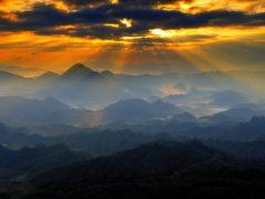 「八面山頂の日の出」 きりかぶ 様(2014年12月)
